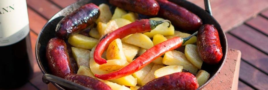 Chorizo mit Patatas Bravas